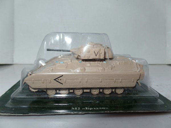 FF14 1/72 Scale USA American Tank M2 Bradley US Infantry Fighting Vehicle